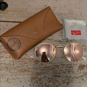 Round Ray-Ban USA Sunglasses With Case